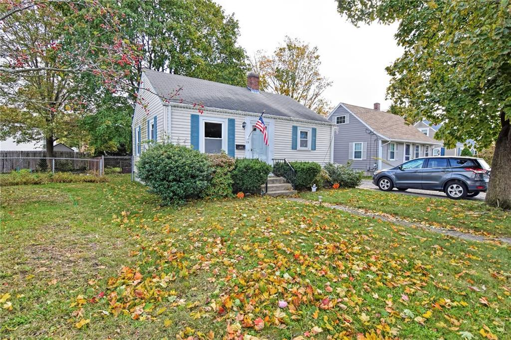 Looking For An Adorable Home In a Great Neighborhood? Look No Further This Home Has Two Bedrooms And One Bathroom, Fenced In Yard, Large Garage And So Much More.
