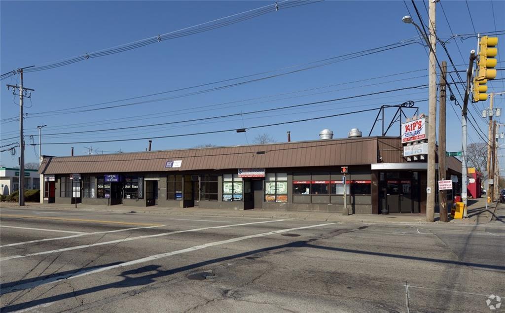 814 Newport Avenue, Pawtucket, RI 02861
