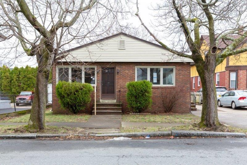 31 Fallon Avenue, Providence, RI 02908