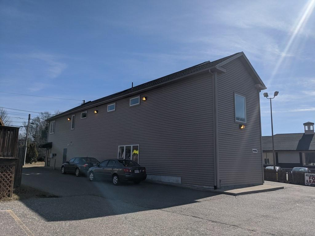 Second floor commercial office space with 426 sq/ft of space available for for lease in high traffic location in Seekonk, less than 10 minutes from downtown Providence. This unit offers many individual offices, a conference room, waiting area, storage room and dedicated rest room for the unit. With plenty of parking and an on-ramp to Rt. 195 just 1/4 mile away, this location is ideal for a business that wants to establish long-term roots in Seekonk and Bristol County. Landlord takes pride in ownership and lives/works in the immediate area. Additional space available.