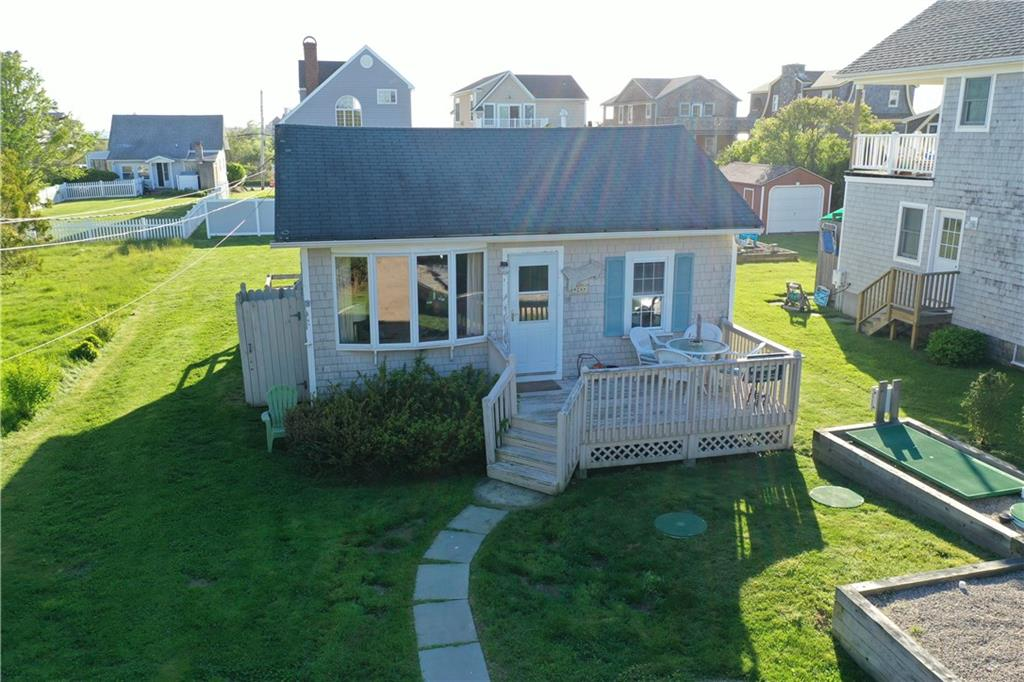 GREENHILL BEACH BUNGALOW THAT IS MOVE IN READY. HARDWOOD FLOORS WITH OPEN FLOOR PLAN LIVING ROOM, DINING AND KITCHEN. STURDY BUILD THAT IS COMFORTABLE TO LIVE IN YEAR ROUND. NEW 3 BEDROOM READY SEPTIC SYSTEM. SUPERB OCEAN VIEW POTENTIAL!