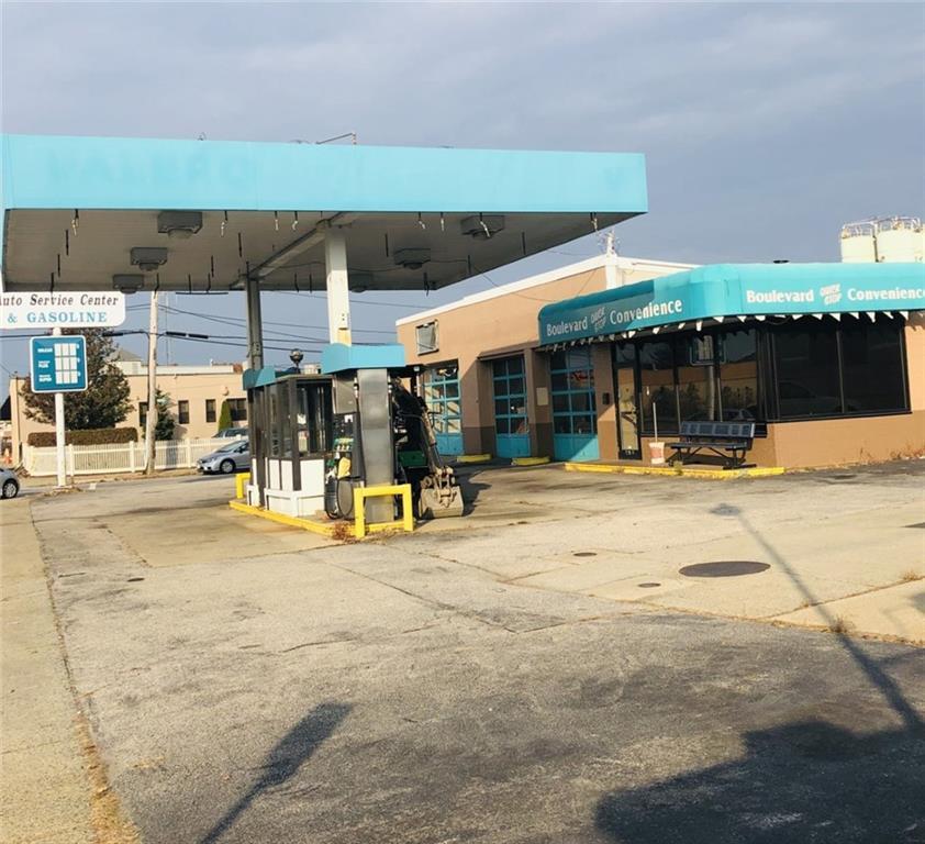 296 ARMISTICE Boulevard, Pawtucket, RI 02861