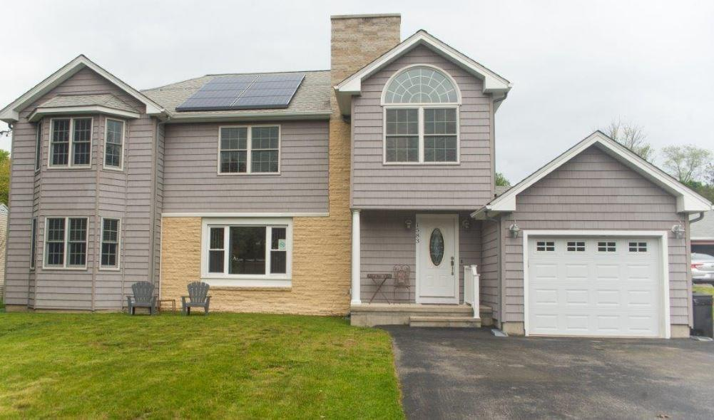 1583 Old Louisquisset Pike, Lincoln, RI 02865