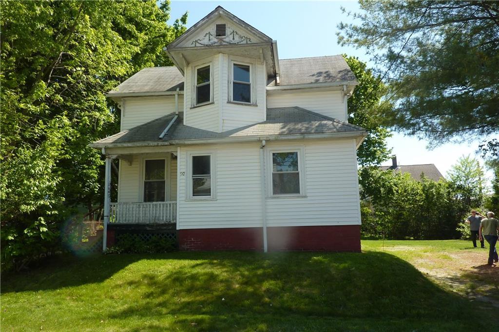 90 Clarence Street W, Cranston, RI 02910