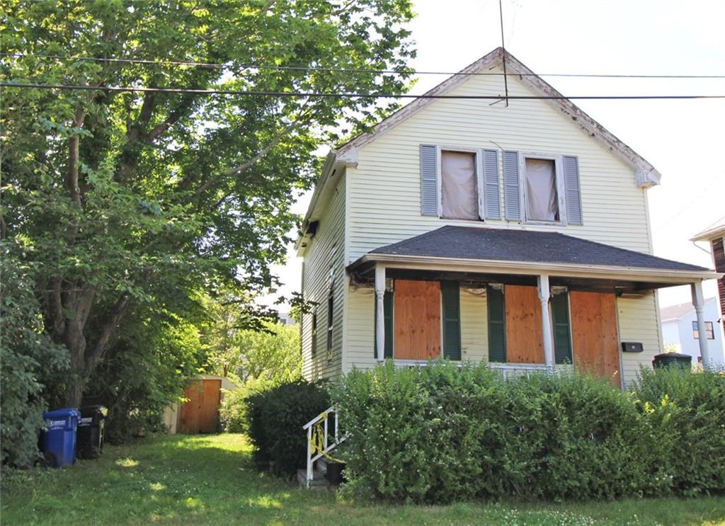 13 Clinton Street, Newport, RI 02840