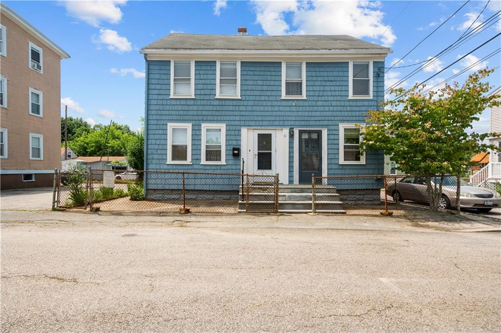 BUILT IN 1900, NEEDS WORK, WILL NOT PASS FHA, GREAT POTENTIAL CLOSE TO DOWNTOWN BRISTOL.  COME TAKE A LOOK!