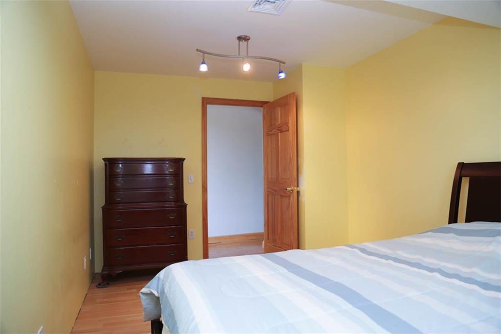 860 Boston Neck Road, Narragansett, Rhode Island 02882, 4 Bedrooms Bedrooms, ,2 BathroomsBathrooms,Residential,For Sale,Boston Neck,1260111