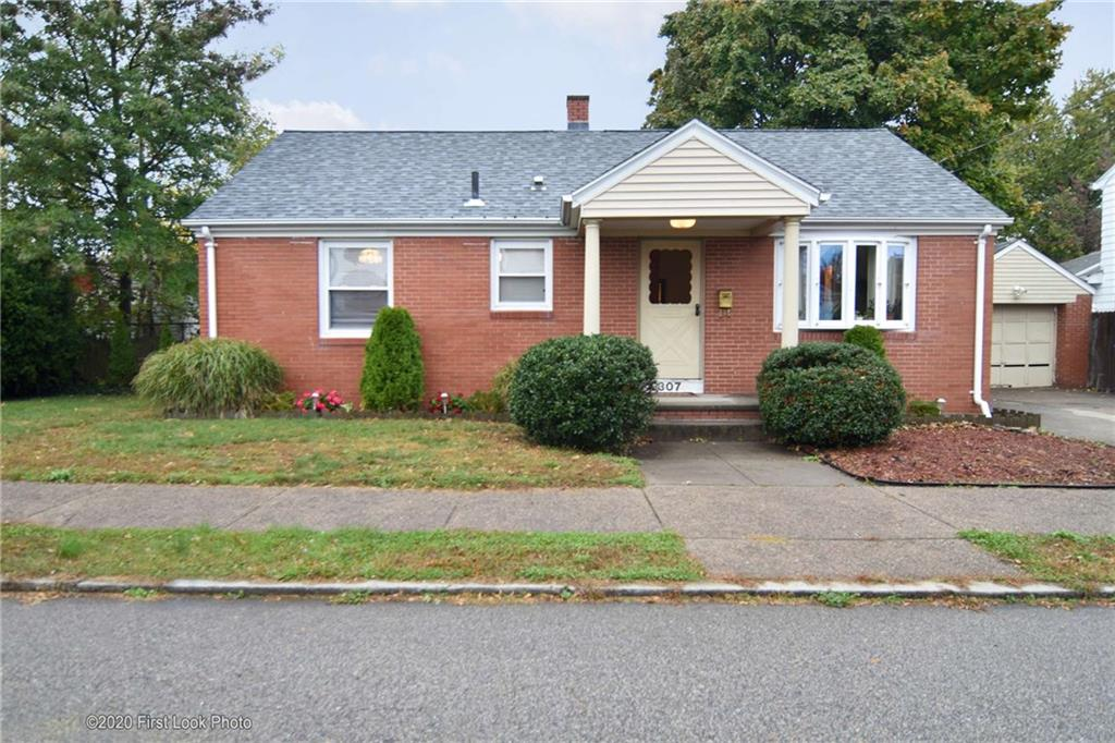 307 Woodhaven Road, Pawtucket, RI 02861