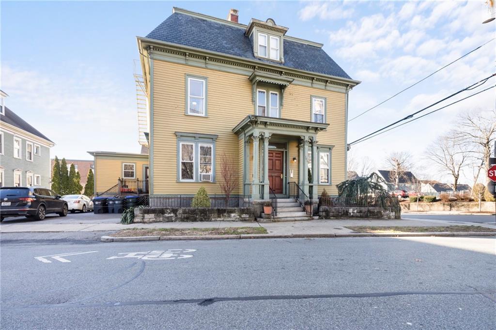 103 Doyle Avenue 2, East Side of Providence, RI 02906
