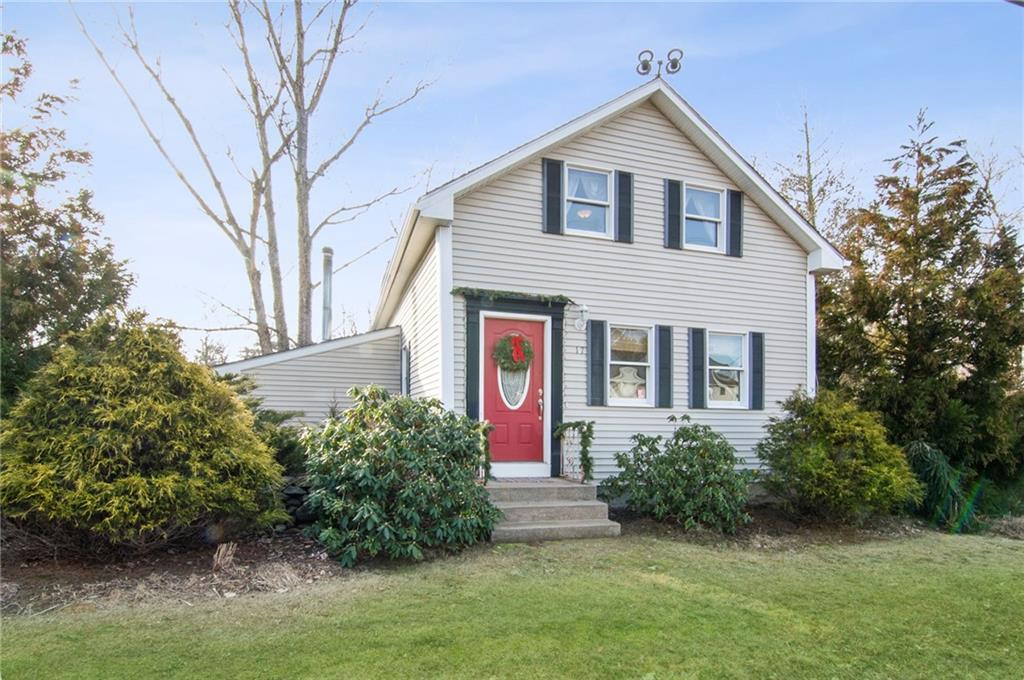 17 Old Summit Road, Coventry, RI 02827