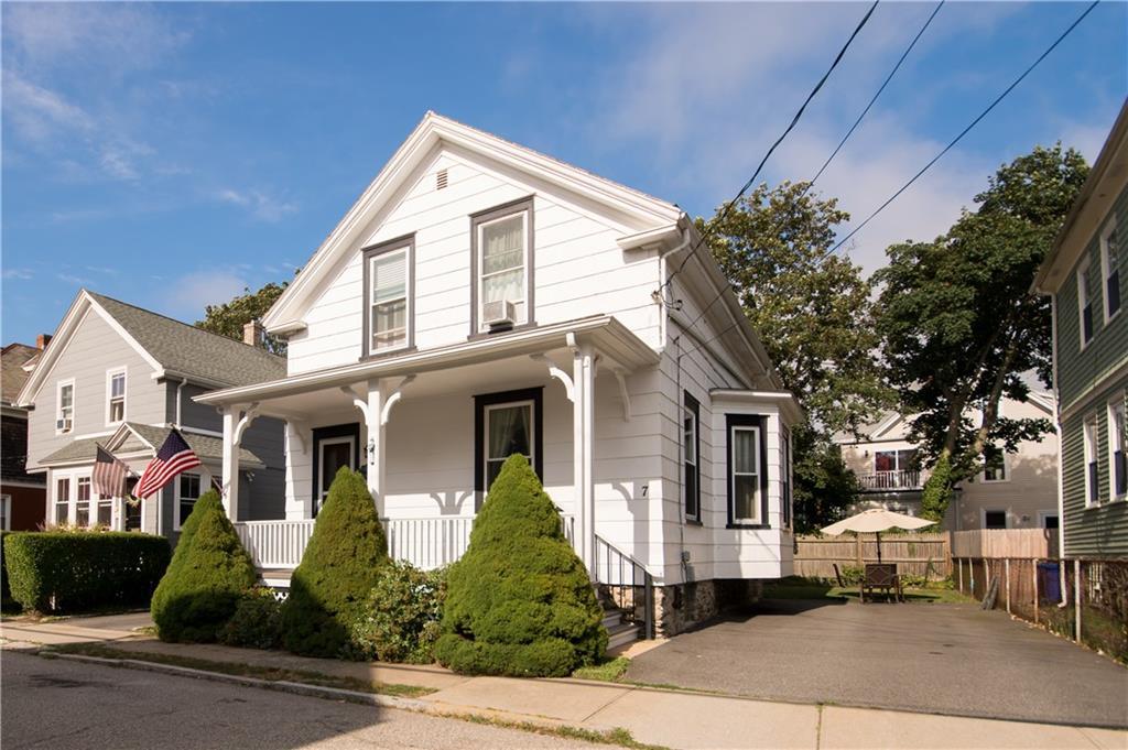 7 Congdon Avenue, Newport, RI 02840