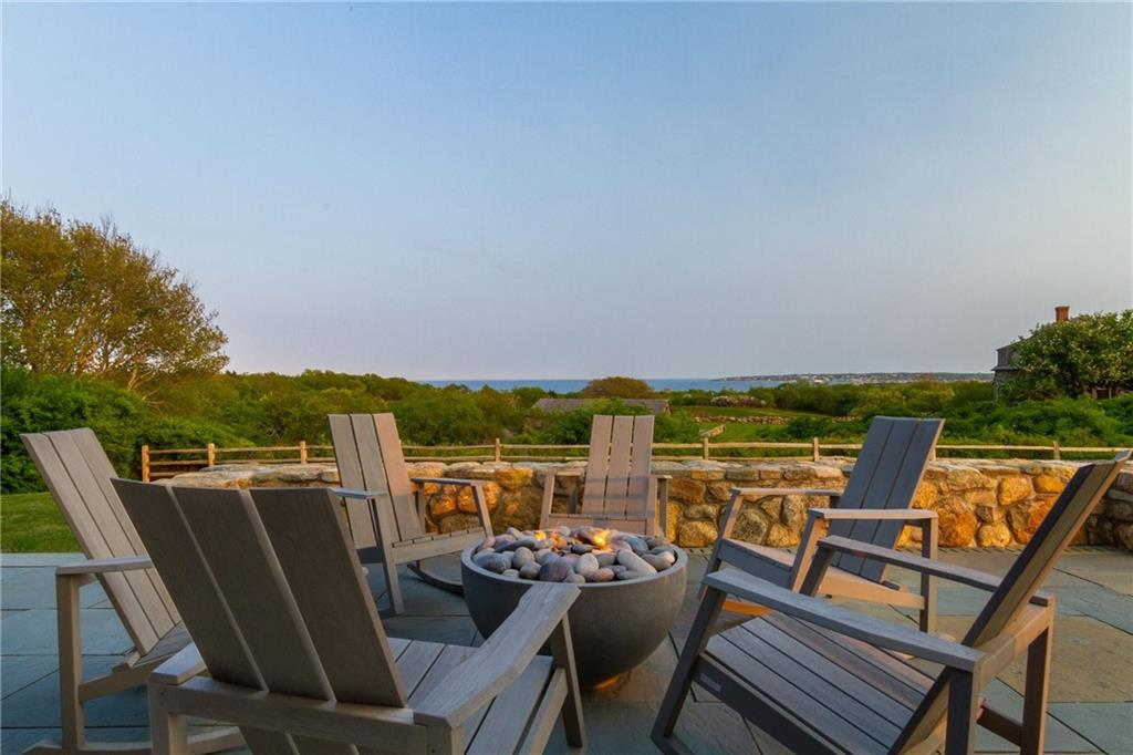 Guest House & Pool House - Outdoor Firepit