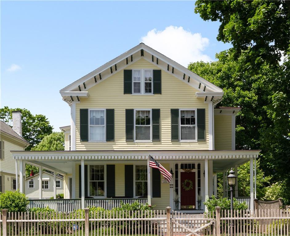 22 Greenough Place, Newport, RI 02840