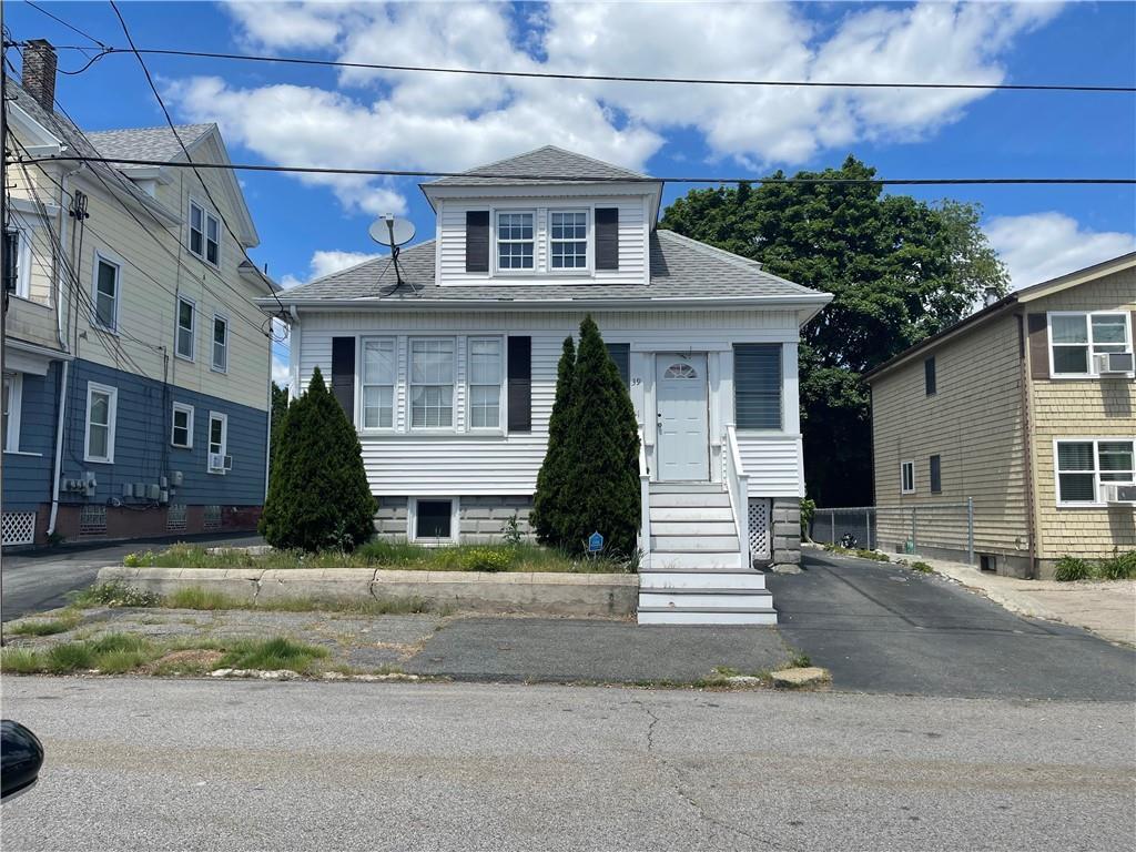 39 Seneca Avenue, Pawtucket, RI 02860