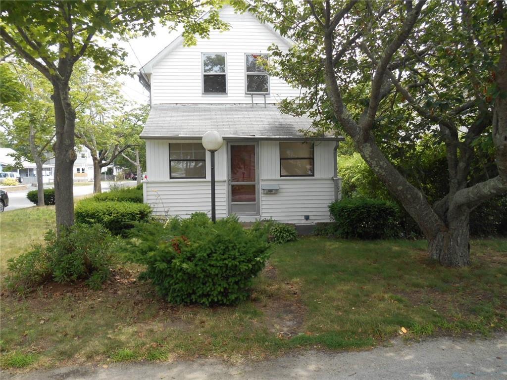 37 Blanding Avenue, Barrington, RI 02806
