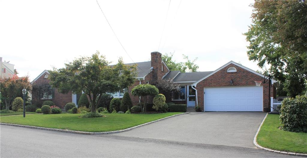 40 Superior View Boulevard, North Providence, RI 02911