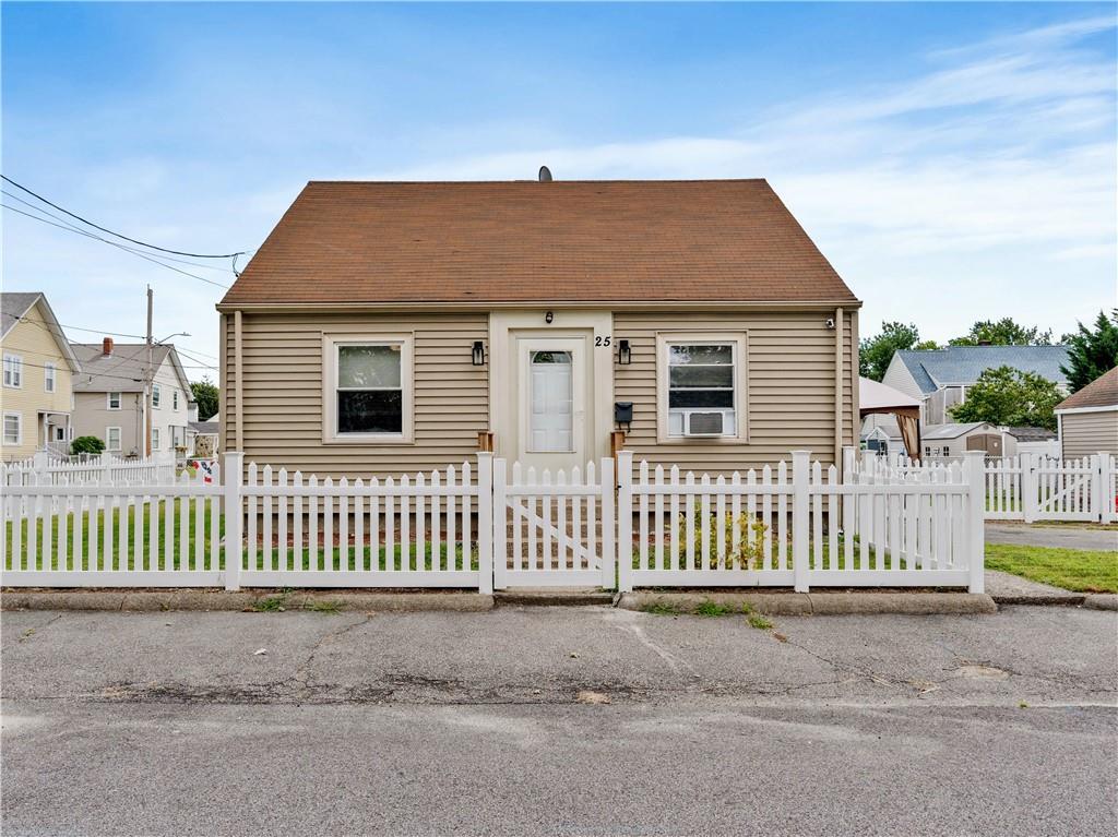 25 Duncan Street, Pawtucket, RI 02861