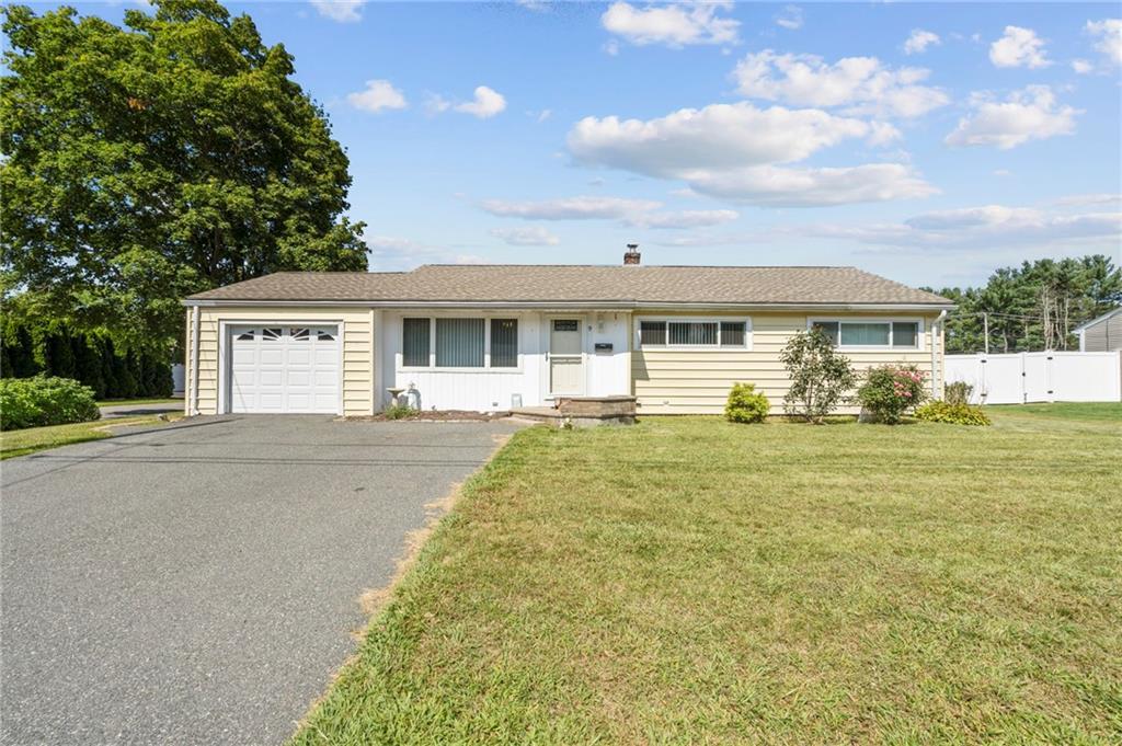 9 Birch Hill Avenue, North Smithfield, RI 02896