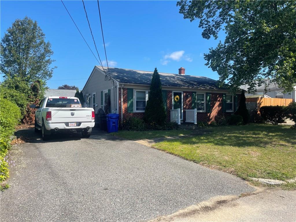 62 Glen Meadows Drive, Pawtucket, RI 02861