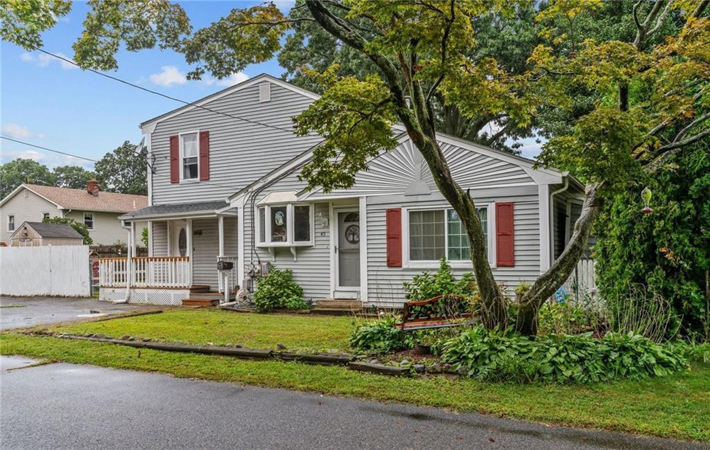 45 Oak Crest Drive, East Providence, RI 02915