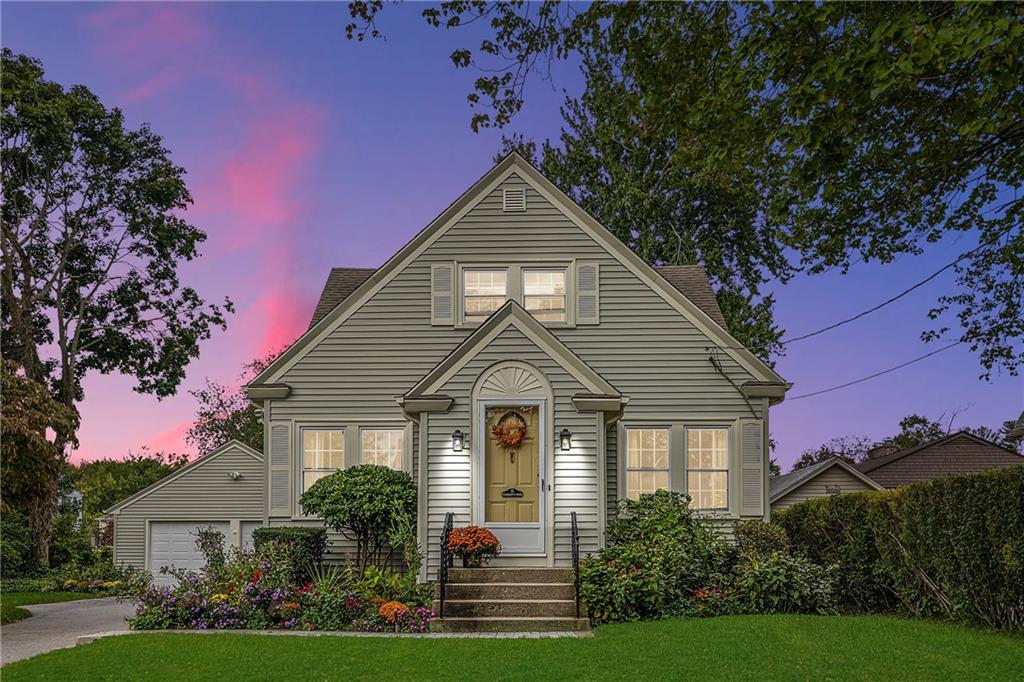 25 Osceola Avenue, Warwick, Rhode Island 02888, 3 Bedrooms Bedrooms, ,1 BathroomBathrooms,Residential,For Sale,Osceola,1294995