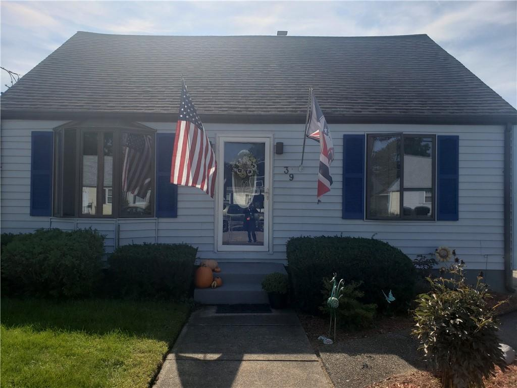 39 LINDESTA Road, Pawtucket, RI 02860