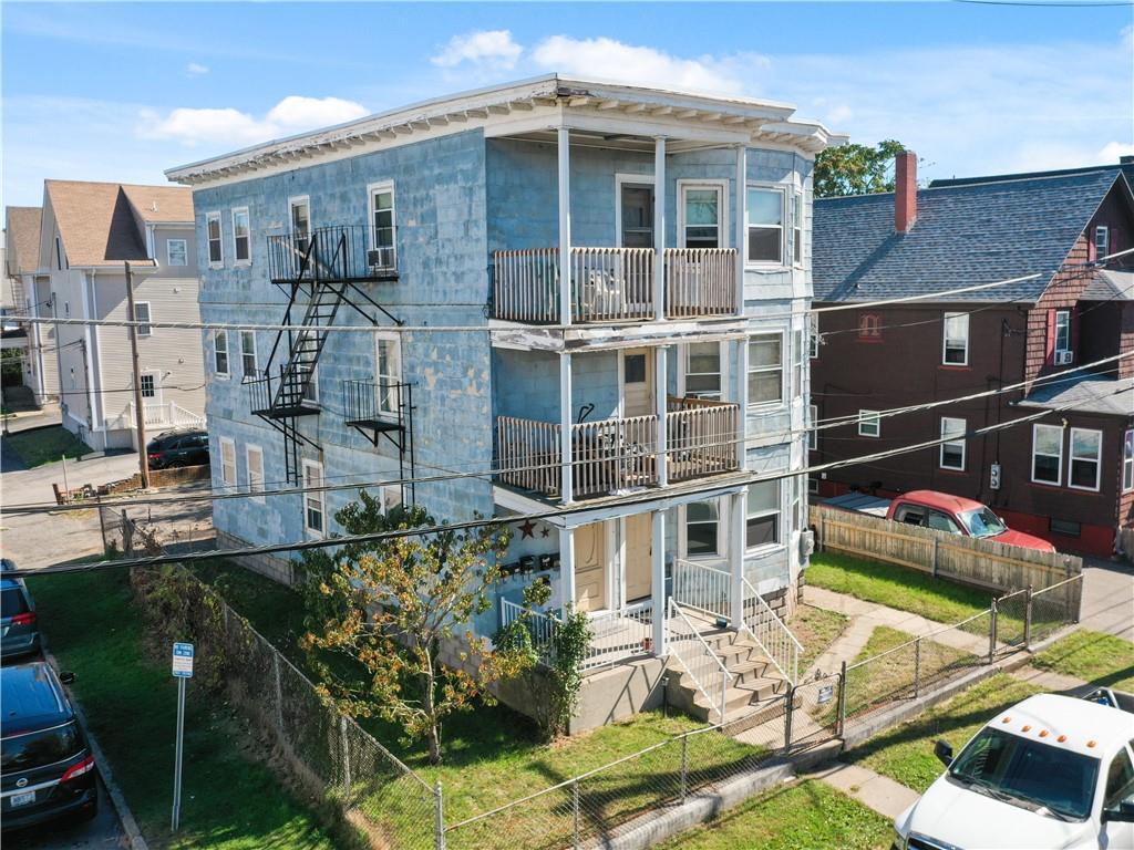 15 Kenyon Avenue, Pawtucket, RI 02861