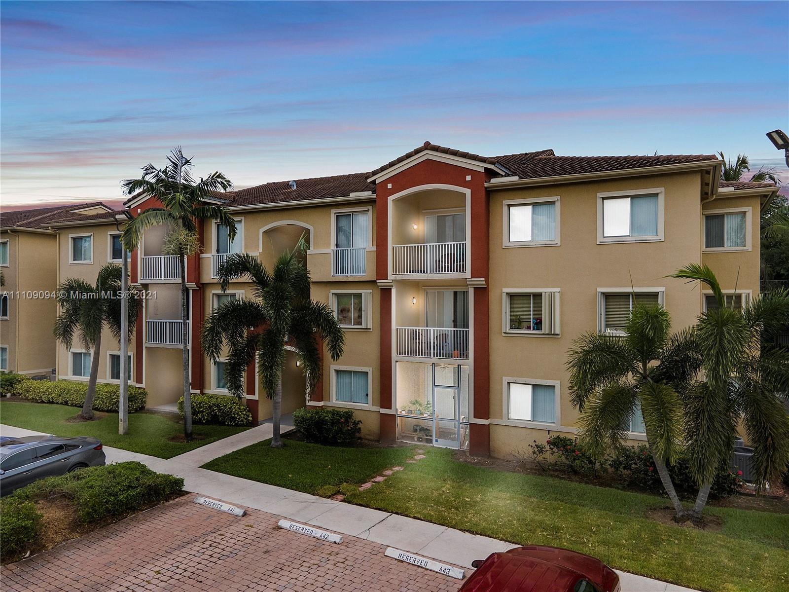 7085 Nova Dr Unit 302, Davie, Florida 33317
