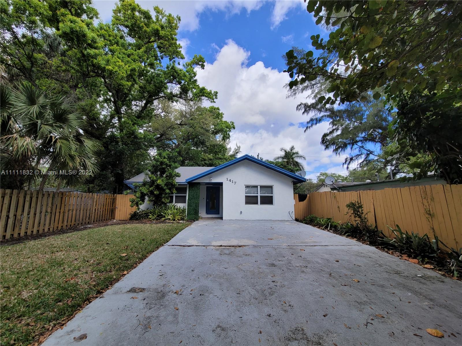 1417 SW 27th Court  For Sale A11111832, FL