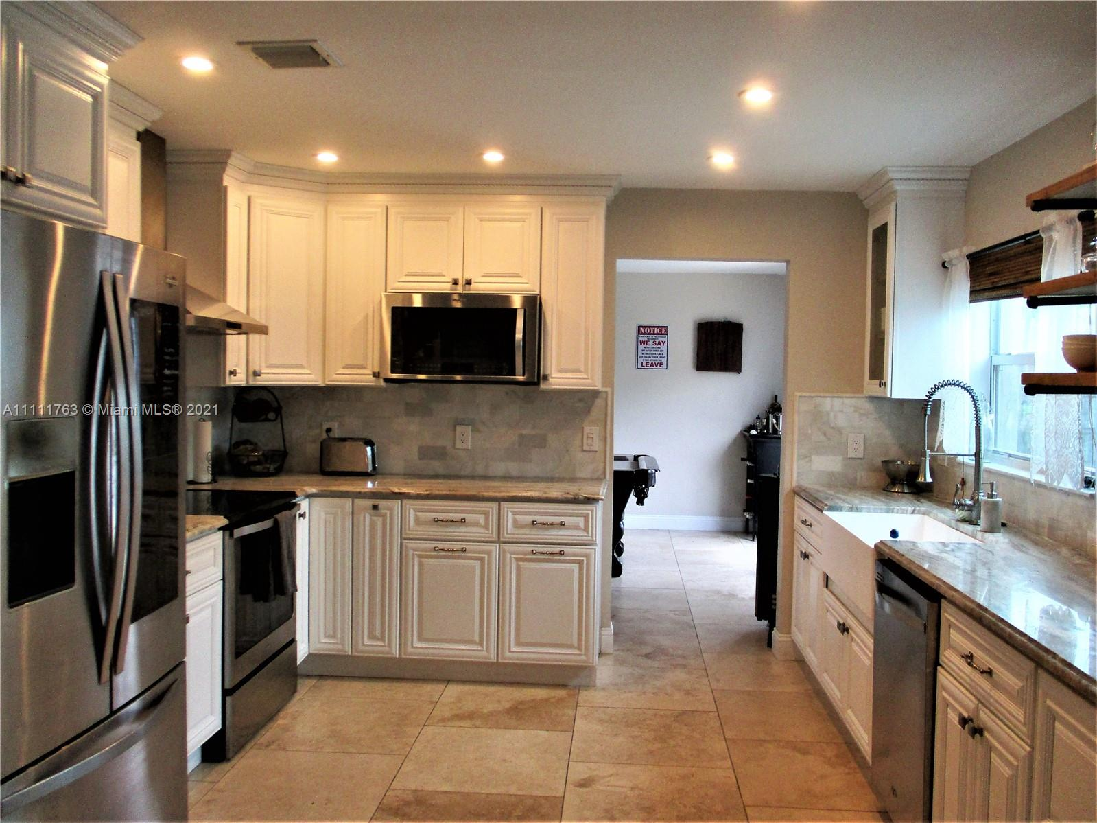 821 SW 95th Ter  For Sale A11111763, FL