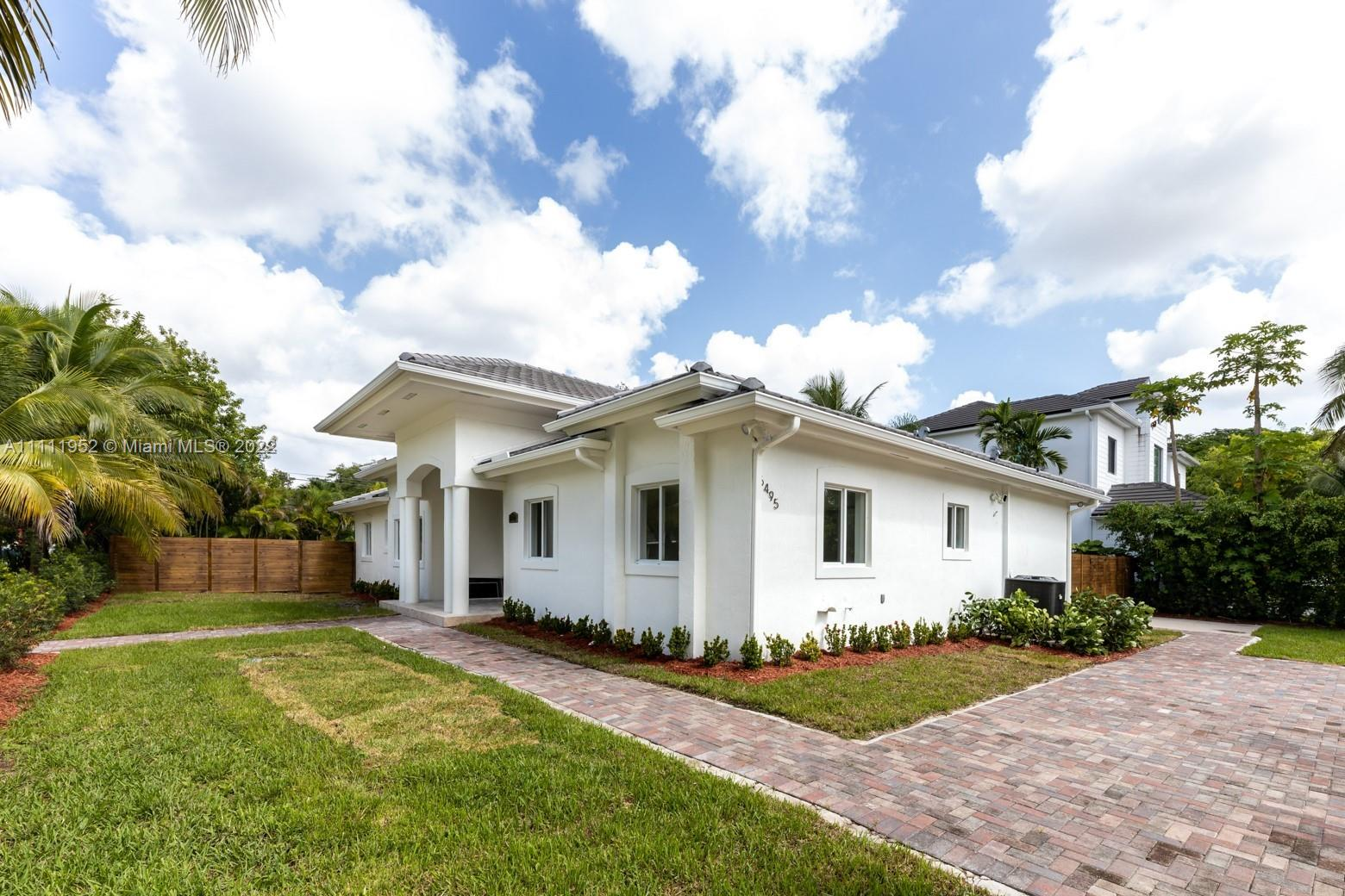 6495 SW 83rd St  For Sale A11111952, FL
