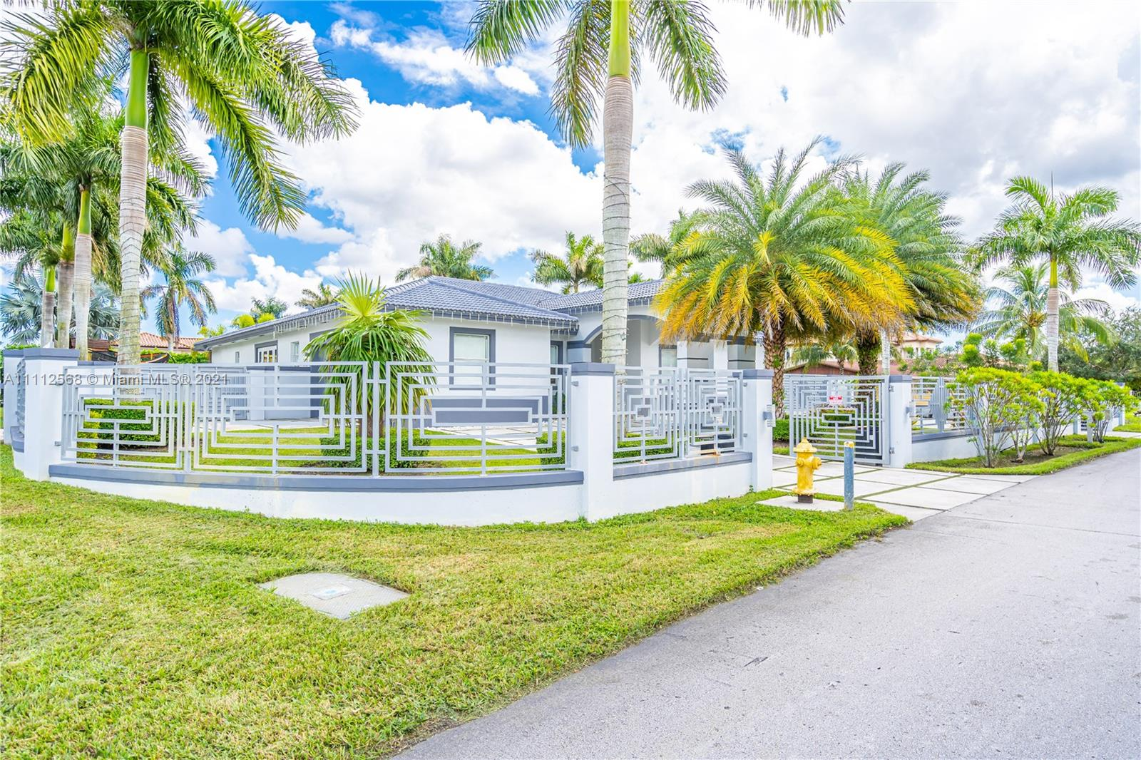 595 NW 120th Ave  For Sale A11112568, FL