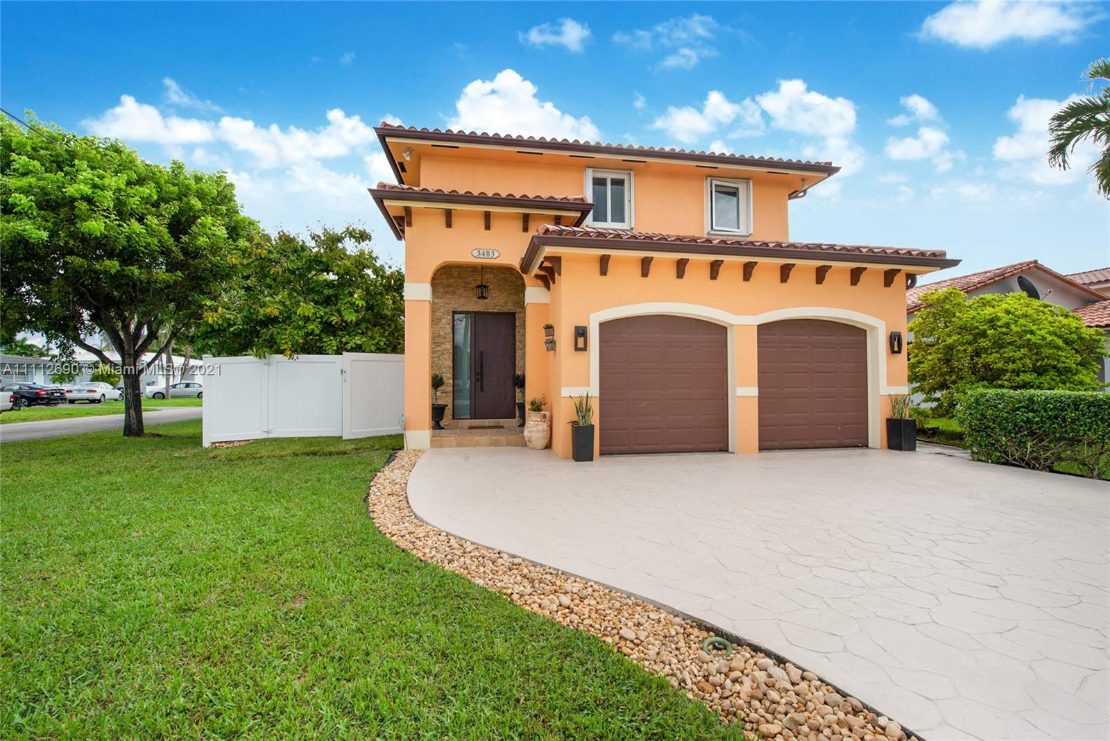 3403 SW 63rd Ave  For Sale A11112690, FL