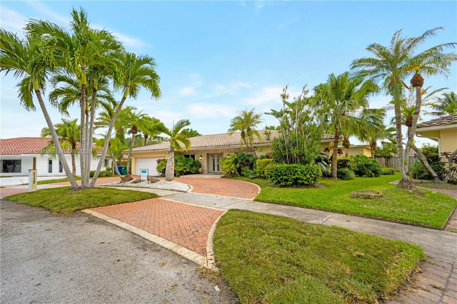 2120 NE 211 Terrace  For Sale A11112698, FL