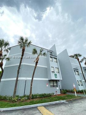 1880 N Congress Ave #101 For Sale A11112631, FL