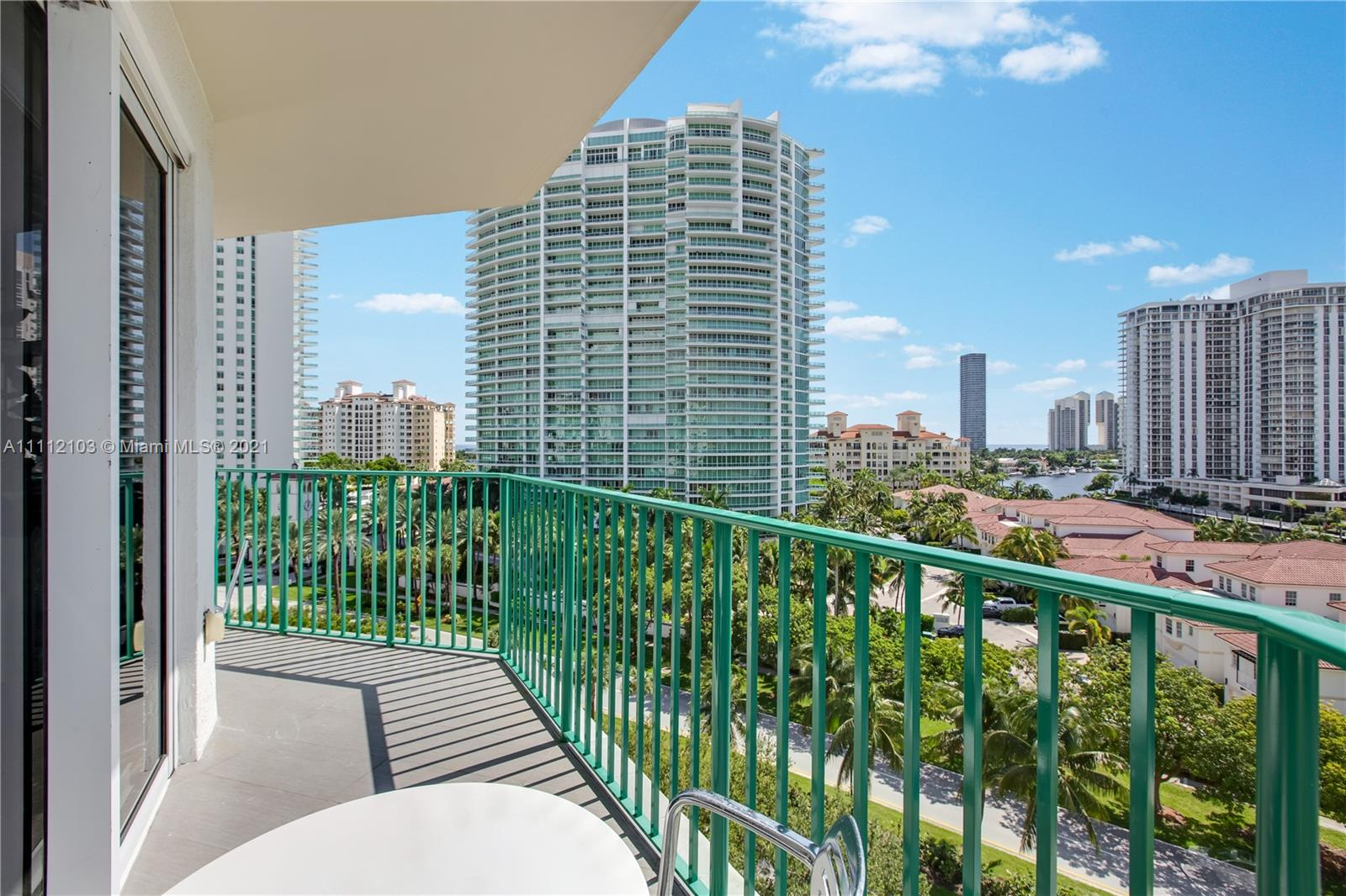 19900 E Country Club Dr #811 For Sale A11112103, FL