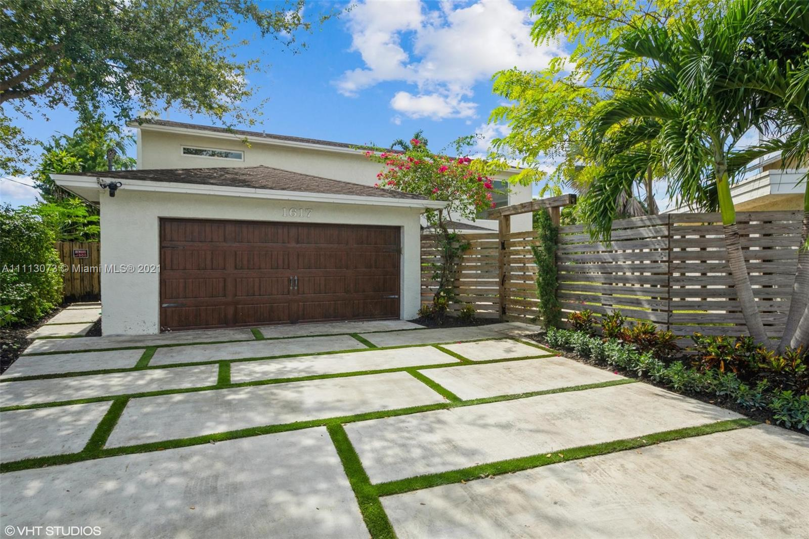 1617 SW 17th Ave  For Sale A11113073, FL