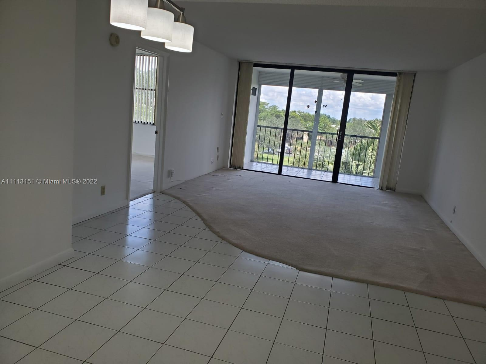 Beautiful move-in ready condo. Close to Weston Town Center. Security 24 hours a day, 7 days a week on site. Great family place with great schools and parks close by. On the fifth floor of a seventh-floor building. Large balcony, washer and dryer inside the unit. Water and garbage collection included in the association fees. Pool, tennis courts and Club House. The association requires a minimum credit score of 650. Combined income of $ 65,000.00 per year. Owner is responsible for an additional $ 284.00 per year payable to Bonaventure Town Center Club. FIVE year waiting period to rent after new ownership. Monthly association fee $600.78. O
