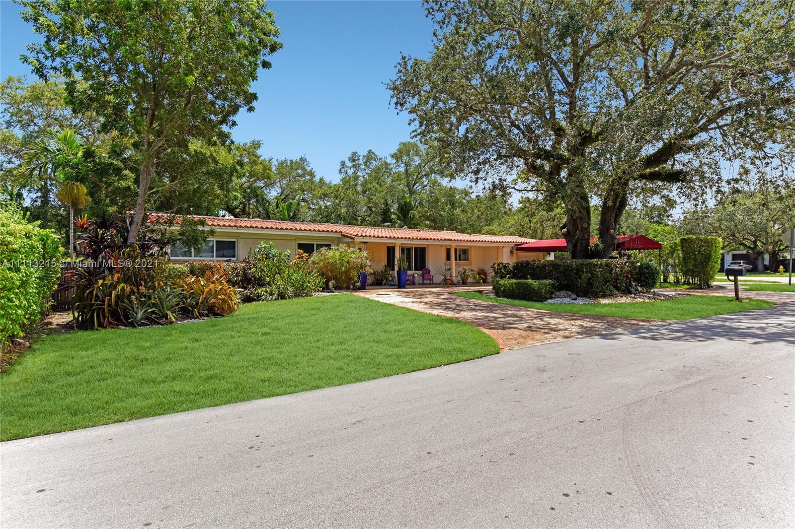 6648 SW 62nd Ter  For Sale A11113215, FL