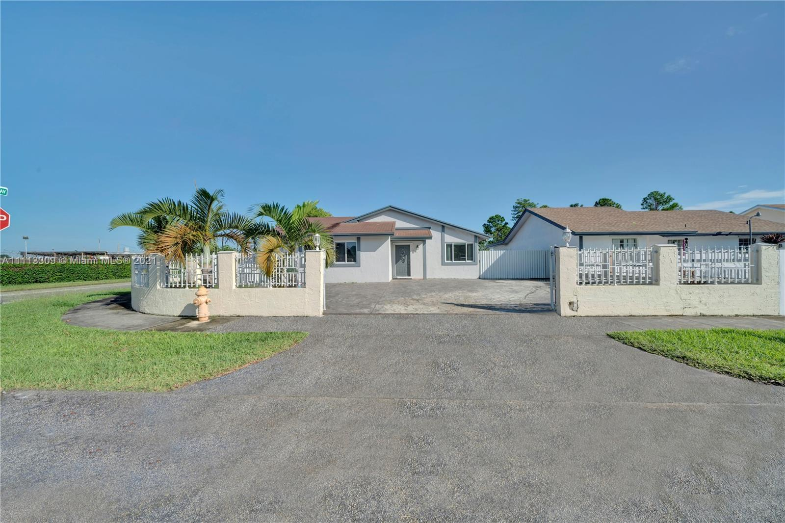 16395 SW 302nd St  For Sale A11113309, FL