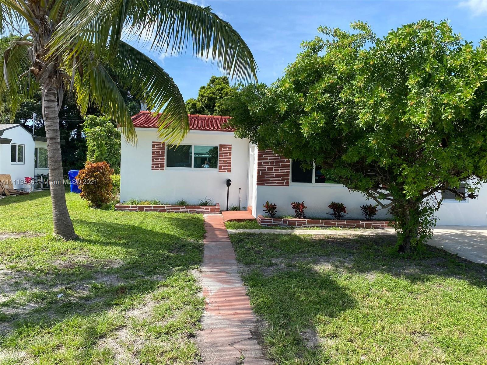 1310 S 23rd Ave  For Sale A11113436, FL