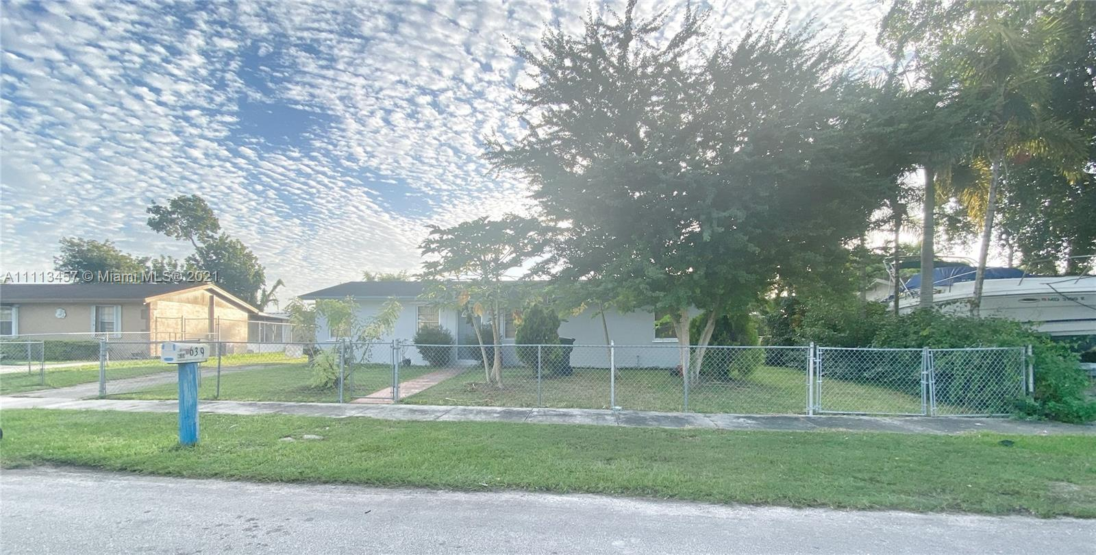639 SW 17th Ave  For Sale A11113457, FL