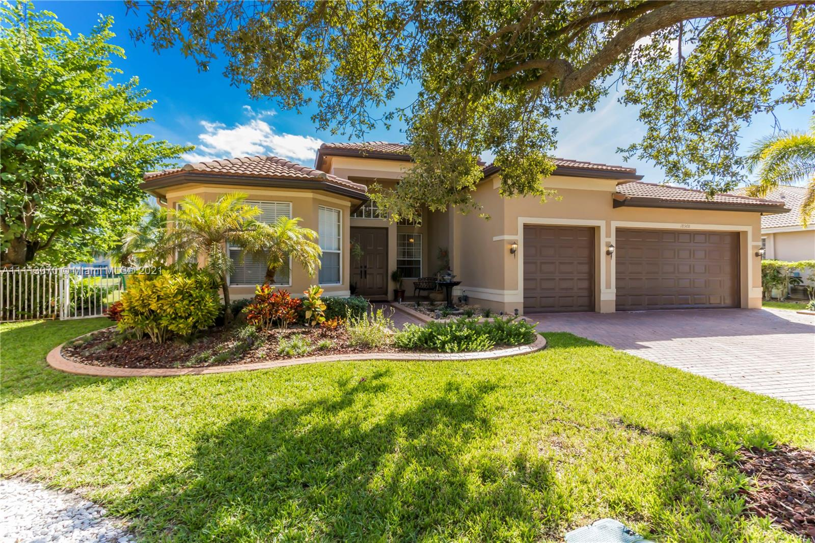 18568 SW 46th St  For Sale A11113070, FL