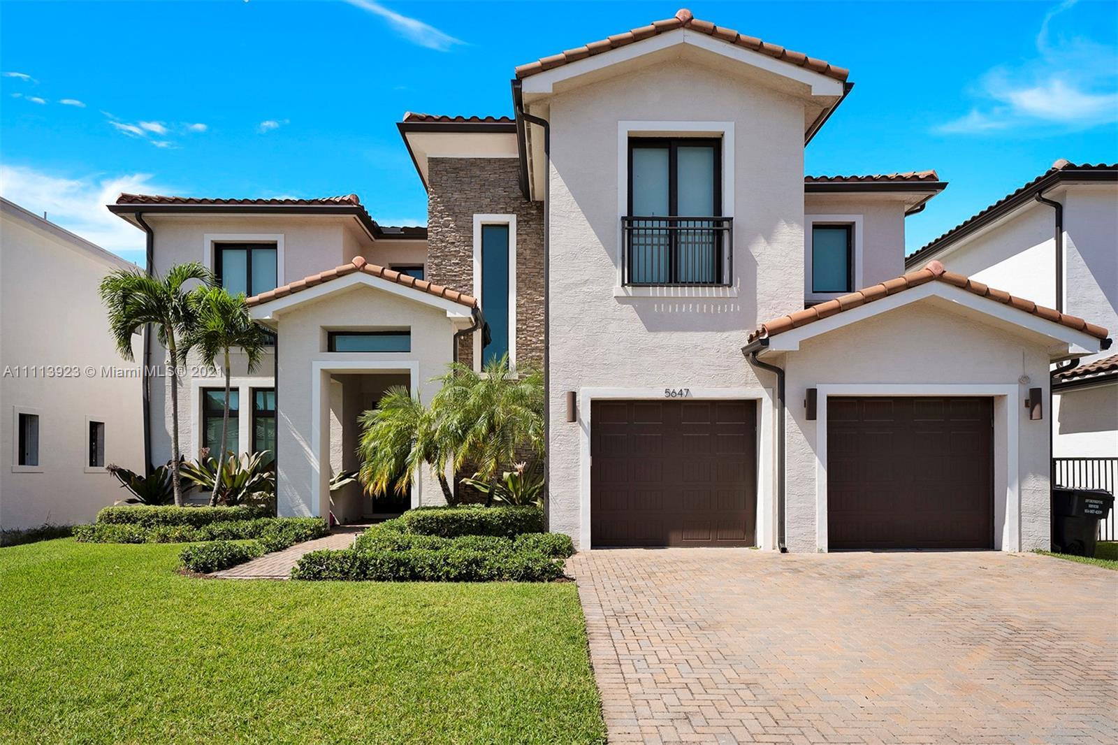 5647  Brookfield Cir  For Sale A11113923, FL