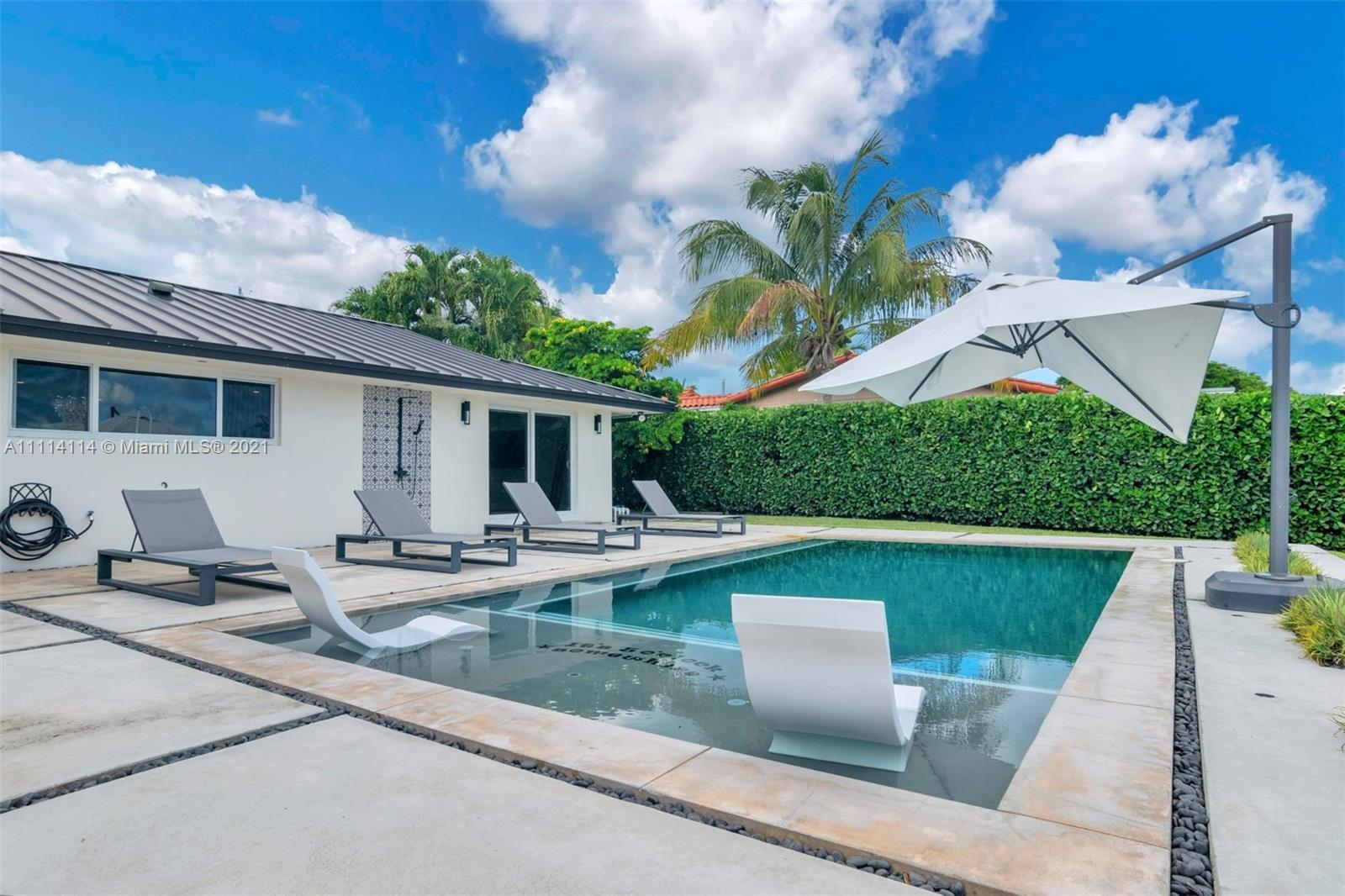 8900 SW 192nd Dr  For Sale A11114114, FL
