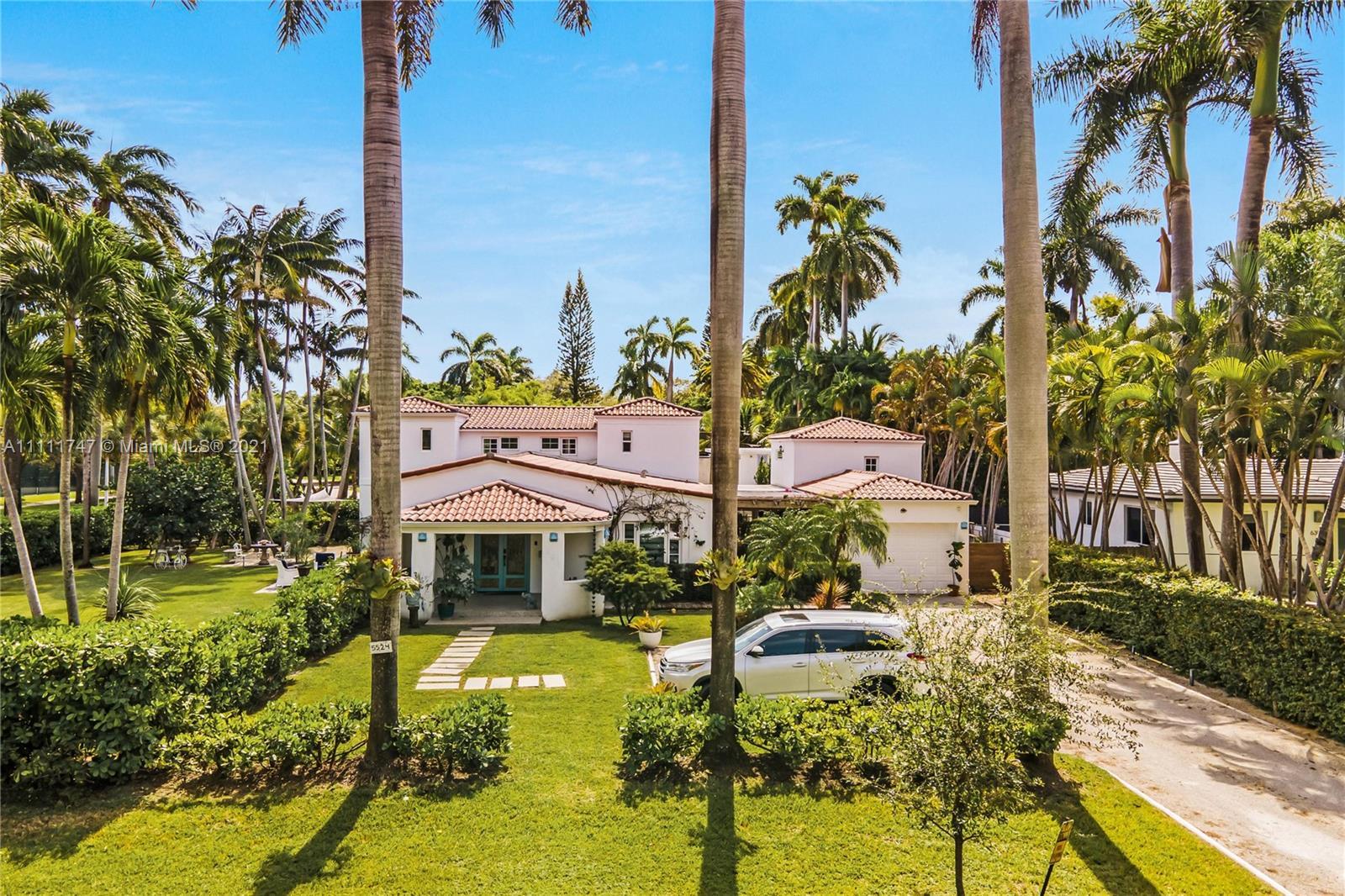 5524 NE 7th Ave  For Sale A11111747, FL