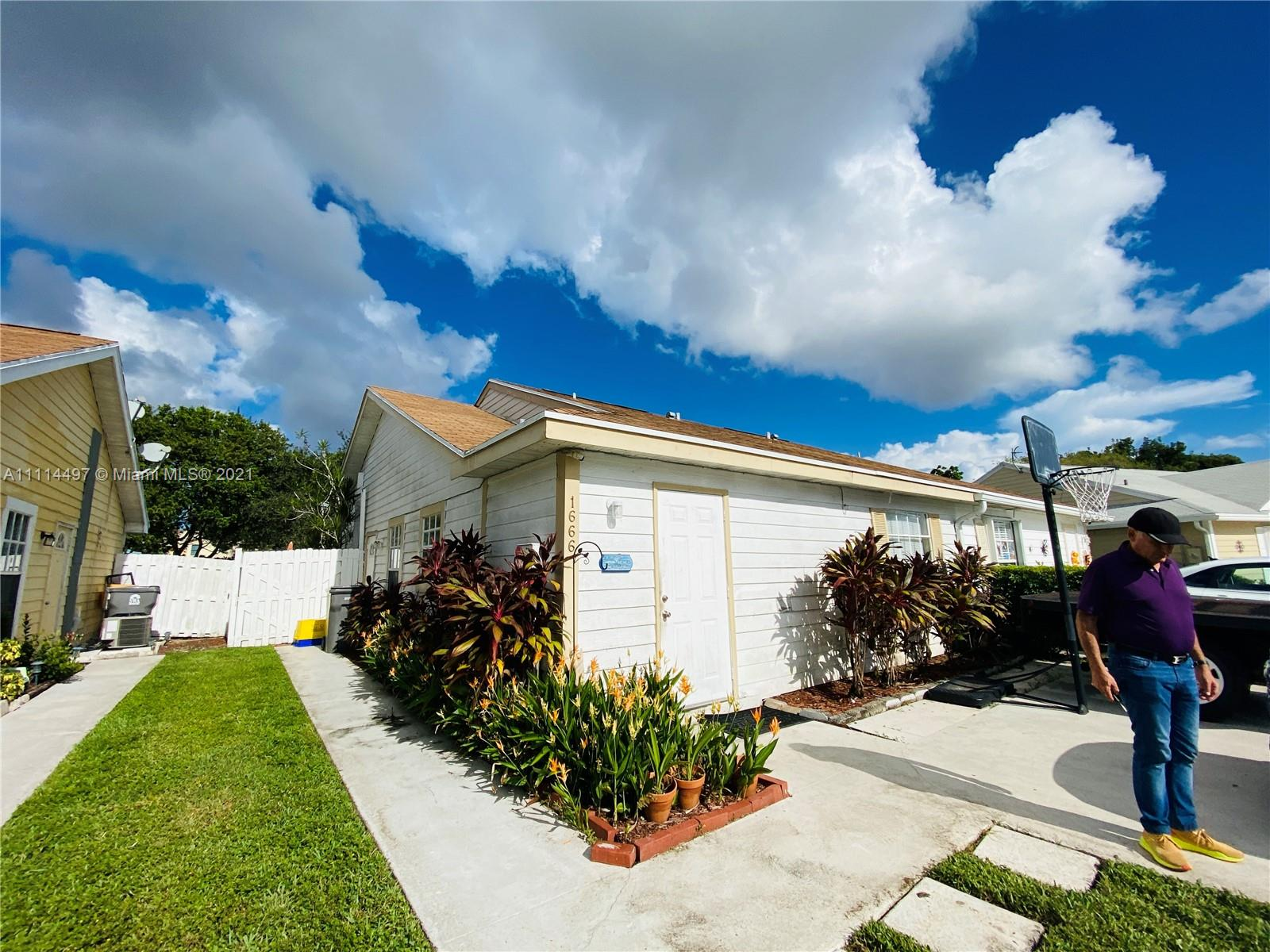 Details for 1666 Royal Forest Ct  1666, West Palm Beach, FL 33406