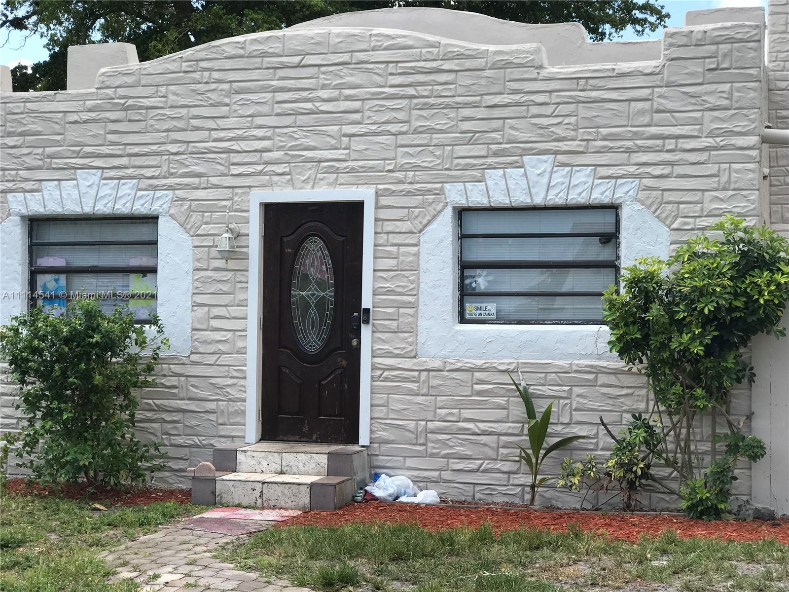 2516  Cleveland St  For Sale A11114541, FL