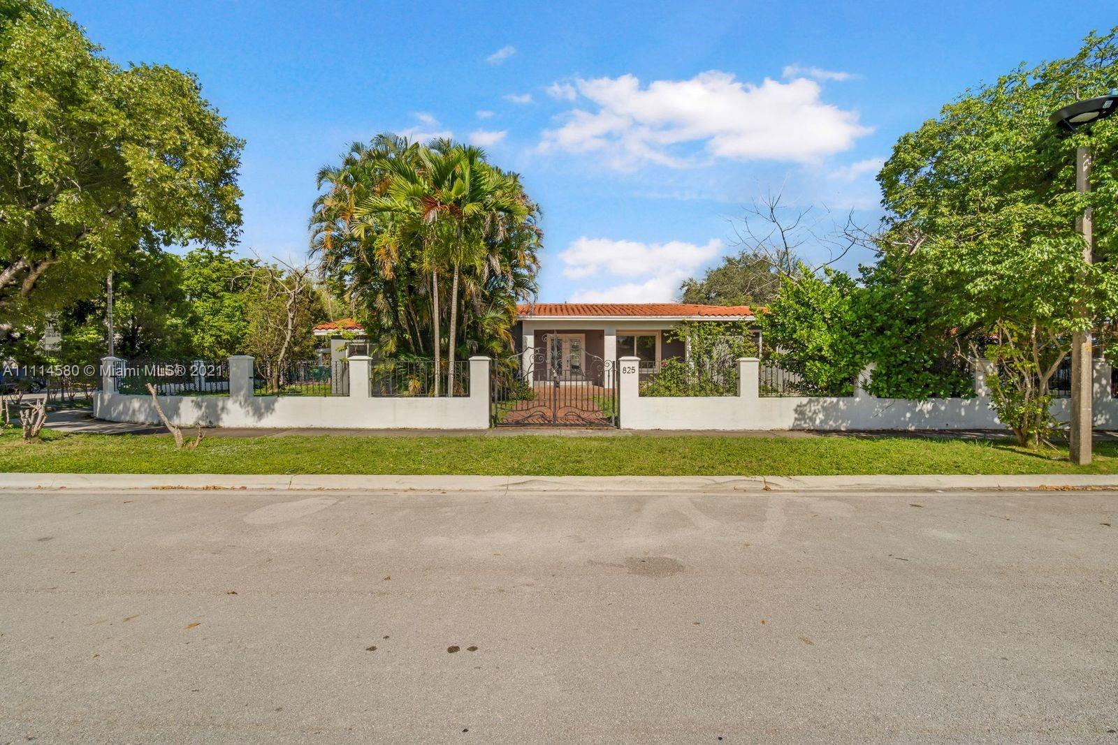 825 SW 28th Rd  For Sale A11114580, FL