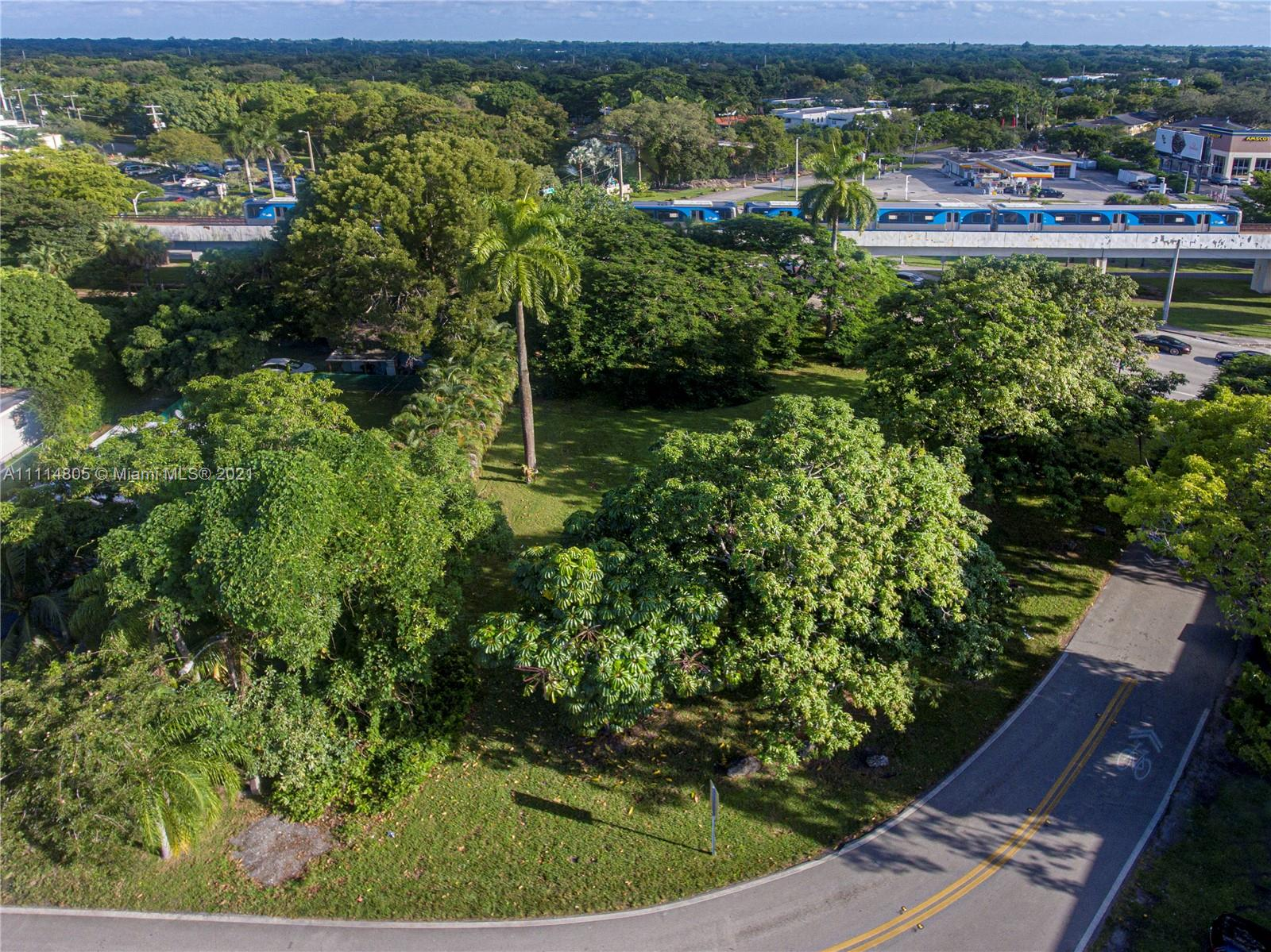 6540  Manor Ln  For Sale A11114805, FL